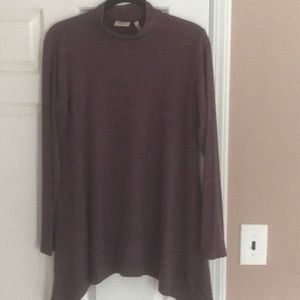 LOGO Lotus collection top - Never Worn!